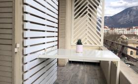 Aménagement d'un balcon dans le centre-ville d'Annecy La Maison Des Travaux d'Annecy